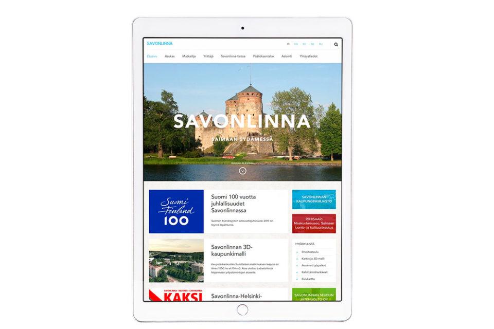 Savonlinnan verkkosivusto tabletin näytöllä